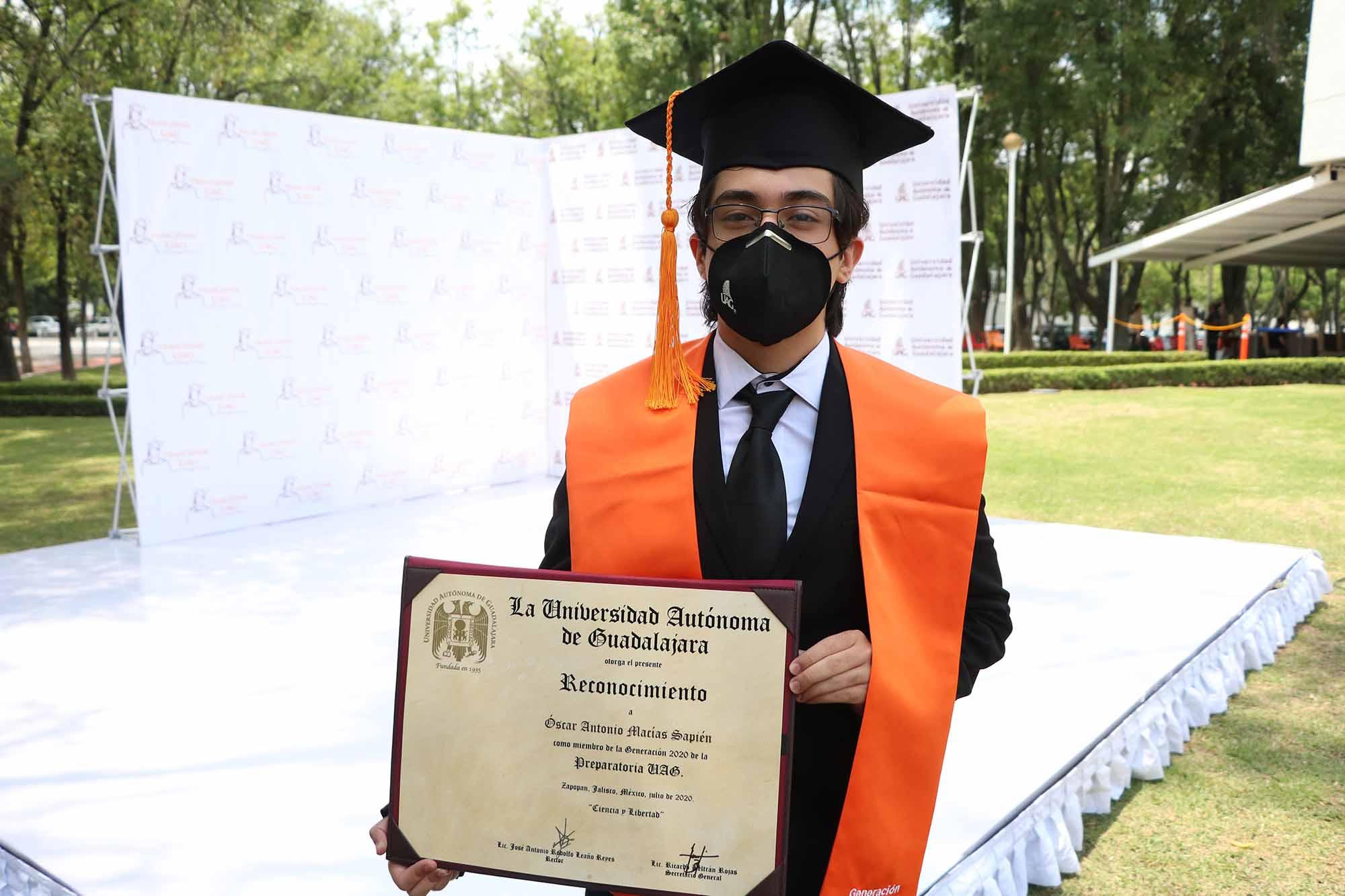 Graduaciones prepas 040820