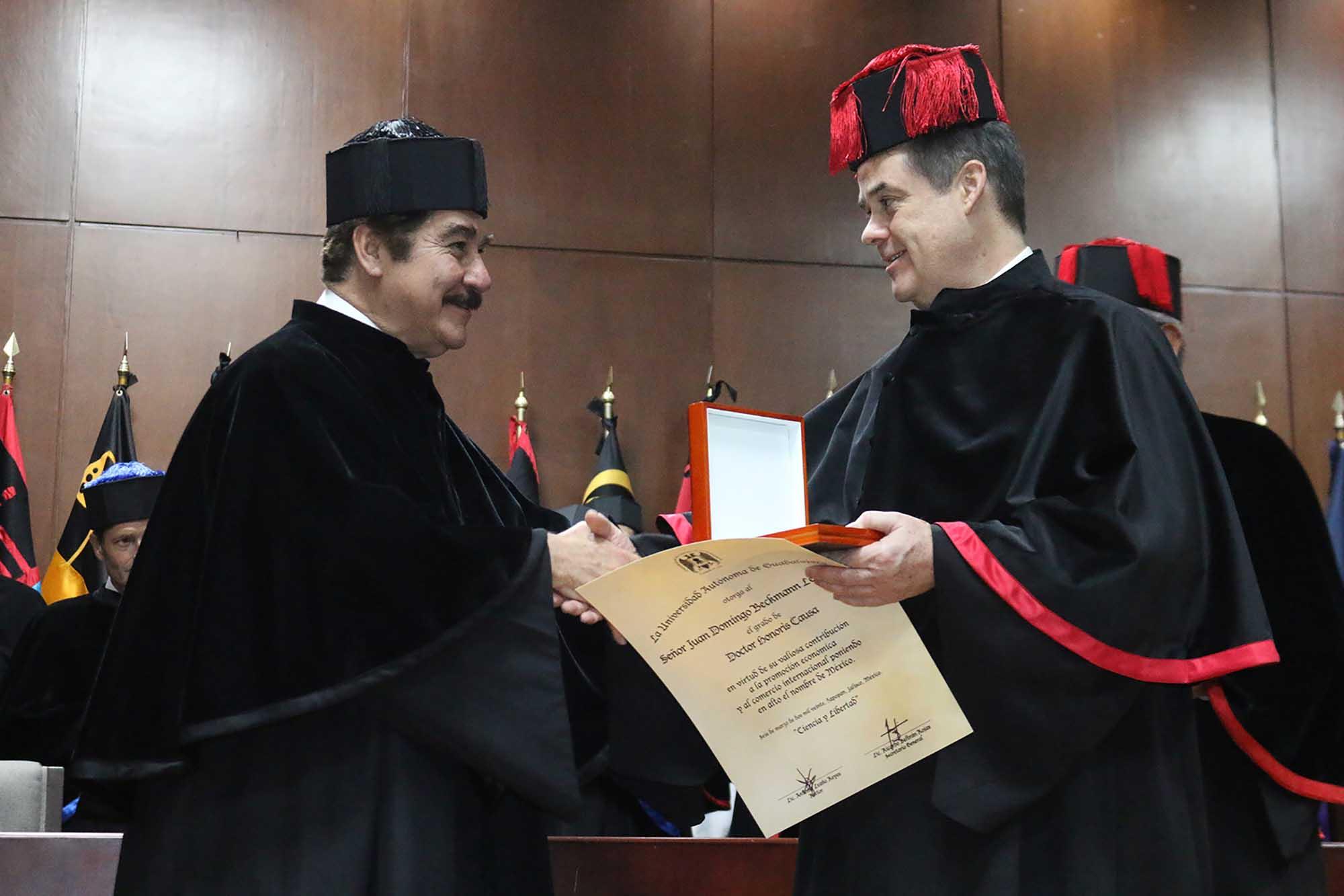 Doctorado Honoris Causa 090320