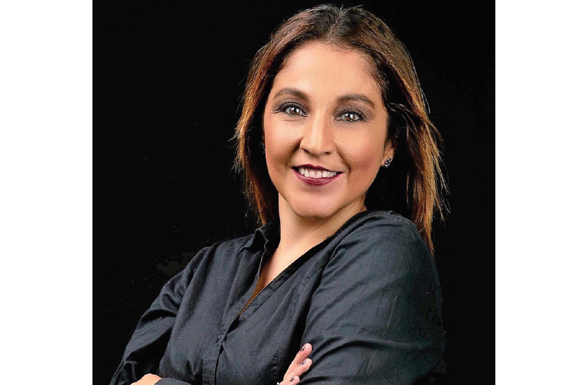 Yara Martinez 120121