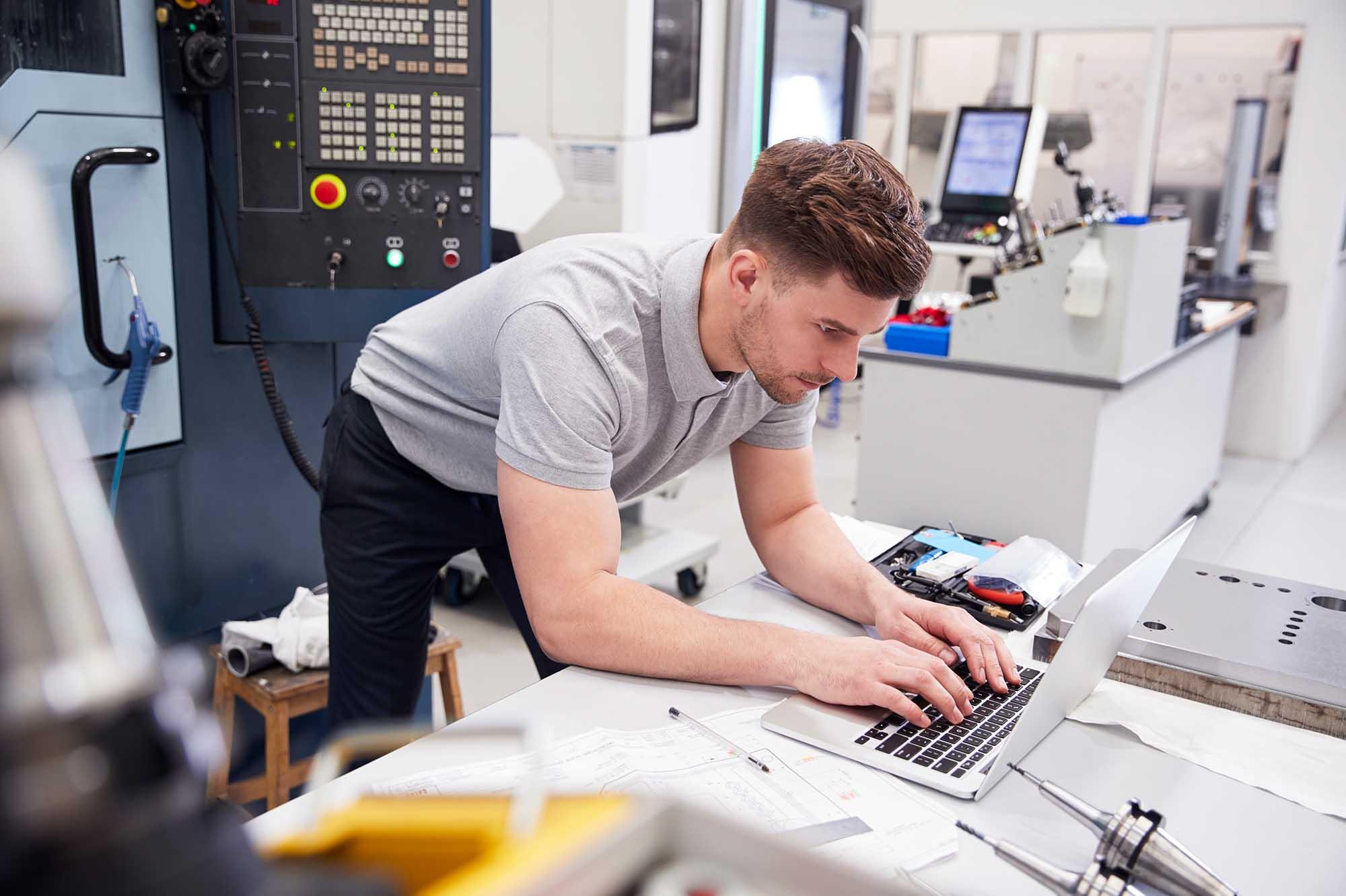 150221 Destacan oportunidades de la Ingeniería en Software