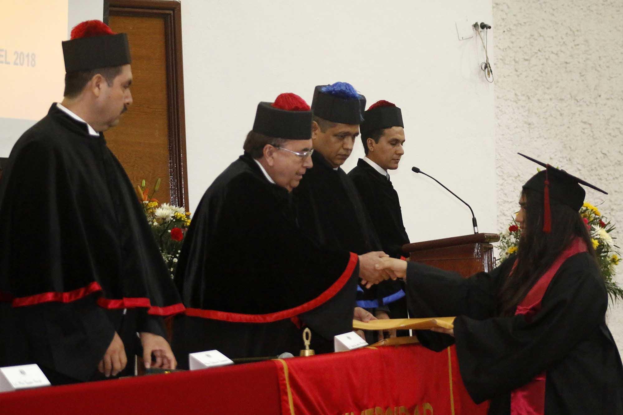 Graduacion IAETAC