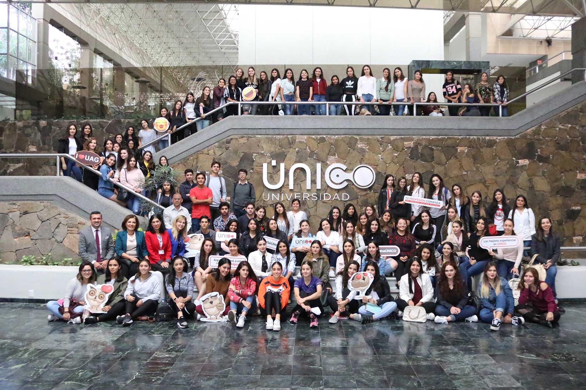 Nuevos estudiantes de ÚNICO