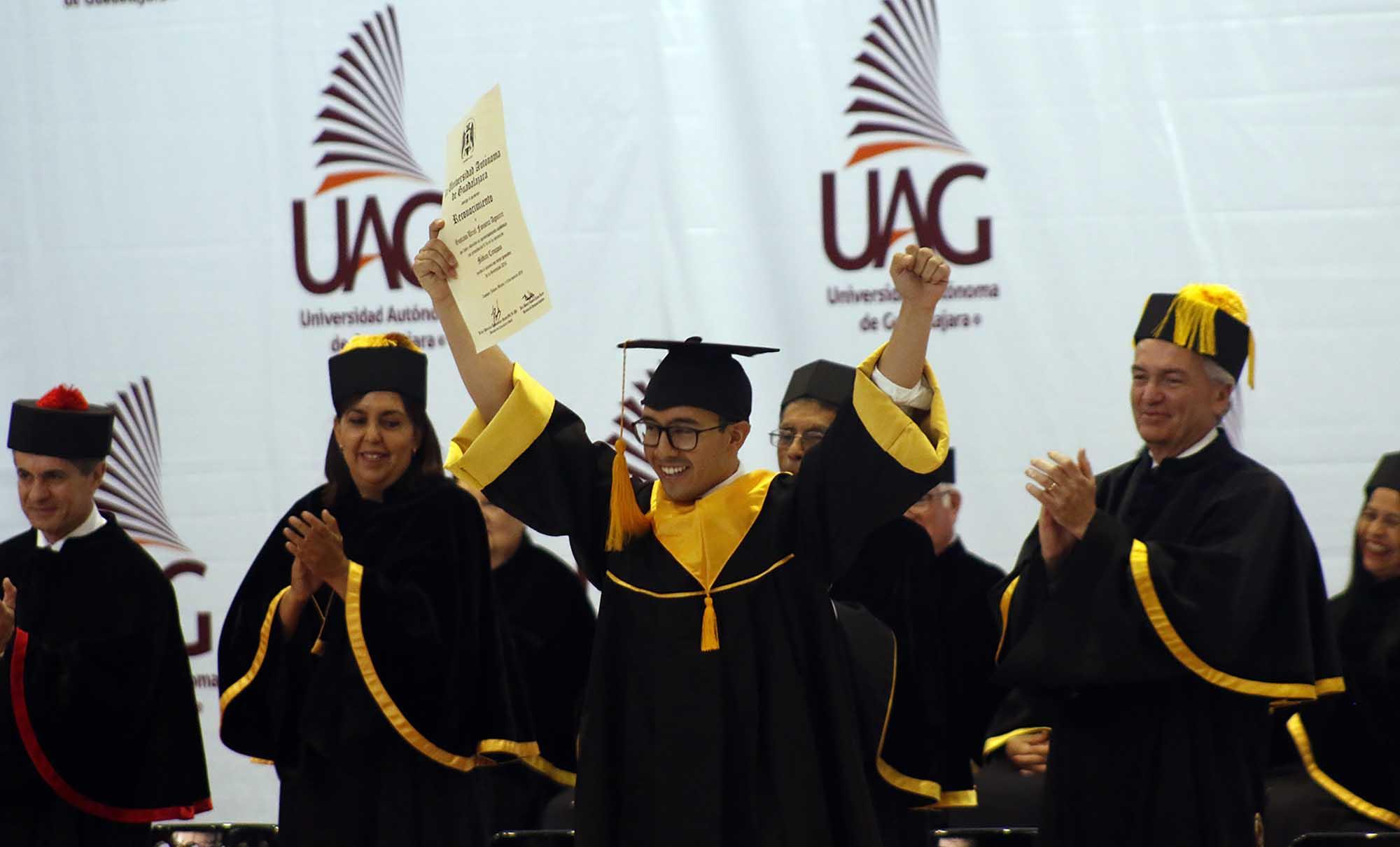 Graduación medicina 180619